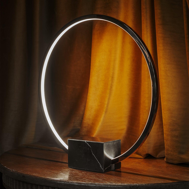 lampa stojąca oda