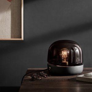 czarna lampa menu stone