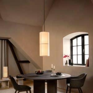 lampa wisząca hashira nad stołem
