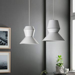 białe dwie lampy ili ili grupa we wnętrzu