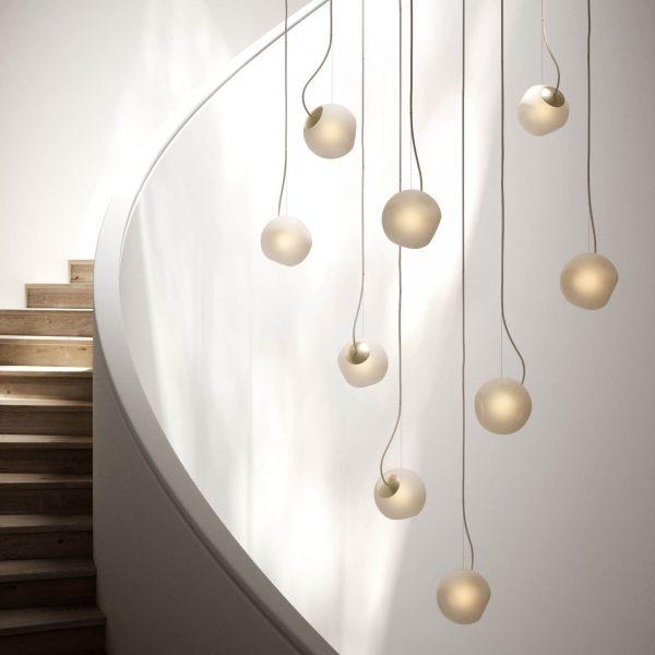 lampy bright barocco na klatce schodowej